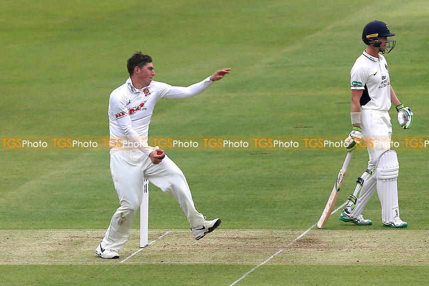 Daniel Lawrence in bowling action for Essex during Middlesex CCC vs Essex CCC, Specsavers County Championship Division 1 Cricket at Lord's Cricket Ground on 21st April 2017