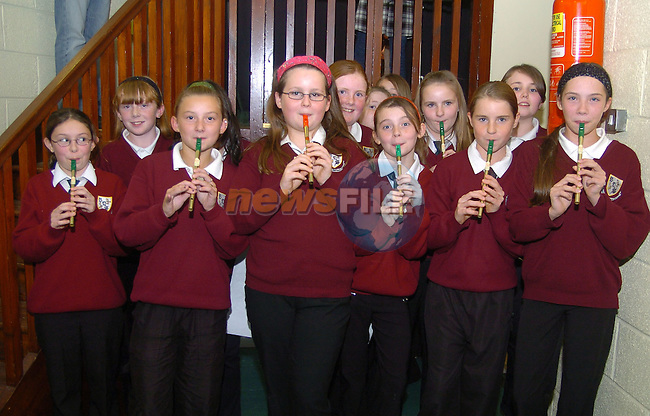 20th October, 2006. Presentation night to Ardee priest Father Matthews. pupils from Ballapousta NS wait backstage at the above.&amp;#xA;Photo: BARRY CRONIN/Newsfile.&amp;#xA;(Photo credit should read BARRY CRONIN/NEWSFILE)&amp;#xA;<br />