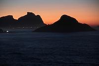 RIO DE JANEIRO; RJ; 12 DE JULHO DE 2013 - CLIMATEMPO RIO DE JANEIRO - A sexta-feira (12) amanheceu com céu claro e temperaturas amenas no Mirante do Roncador, na Prainha, zona oeste da cidade do Rio de Janeiro que tem previsão de bom tempo para todo o final de semana. FOTO: NÉSTOR J. BEREMBLUM - BRAZIL PHOTO PRESS.