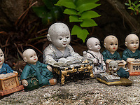 Votivfiguren, buddhistischer Tempel Haedong Yonggungsa, Busan, Gyeongsangnam-do, Südkorea, Asien<br /> votive figurines, buddhist temple Haedong Yonggungsa, Busan,  province Gyeongsangnam-do, South Korea, Asia