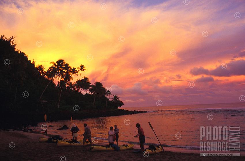 Kee beach at sunset, at the begining of Na Pali kayak adventure