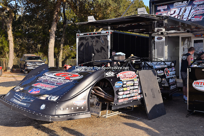 Feb 20, 2014; 5:02:25 PM;  Barberville, FL, USA;  World of Outlaws Late Model Series for 43rd Annual DIRTcar Nationals presented by Summit Racing Equipment at Volusia Speedway Park.  Mandatory Credit: (thesportswire.net)