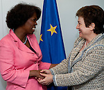Brussels-Belgium, May 11, 2012 -- Kristalina GEORGIEVA (ri), European Commissioner in charge of International Cooperation, Humanitarian Aid and Crisis Response, receives Ertharin COUSIN (le), Executive Director of the United Nations World Food Programme (WFP - PAM) -- Photo: © HorstWagner.eu