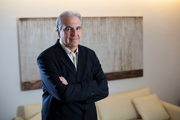 Belo Horizonte_MG, 18 de novembro de 2011.<br /> <br /> O presidente da construtora MRV, Rubens Menin.<br /> <br /> Foto: LEO DRUMOND / NITRO