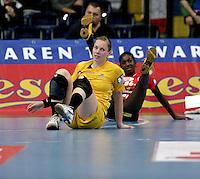 EHF Champions League Handball Damen / Frauen / Women - HC Leipzig HCL : SD Itxako Estella (spain) - Arena Leipzig - Gruppenphase Champions League - im Bild: Anne Ulbricht am Boden. Foto: Norman Rembarz .