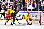 Joachim Ramoser , Torschuetze zum Ausgleich (Nuernbeg) mit Niclas B. Jensen und Mathias Niederberger (Duesseldorf) im Spiel der DEL, Nuernberg Ice Tigers (dunkel) - Duesseldorfer EG (hell).<br /> <br /> Foto © PIX-Sportfotos *** Foto ist honorarpflichtig! *** Auf Anfrage in hoeherer Qualitaet/Aufloesung. Belegexemplar erbeten. Veroeffentlichung ausschliesslich fuer journalistisch-publizistische Zwecke. For editorial use only.