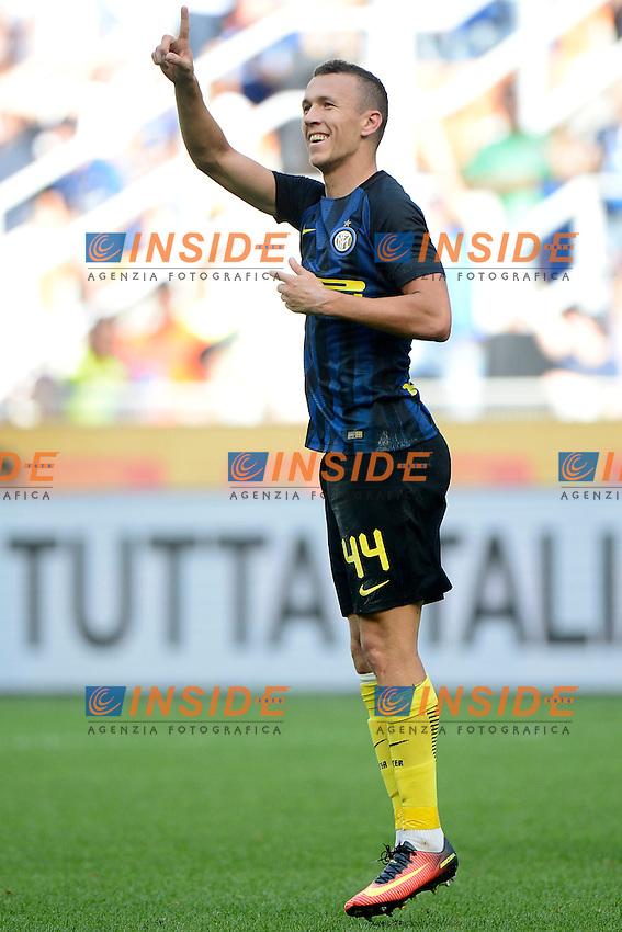 Esultanza gol di Ivan Perisic Inter 1-1.Celebration goal Milano 25-09-2016 Stadio Giuseppe Meazza - Football Calcio Serie A Inter - Bologna. Foto Giuseppe Celeste / Insidefoto