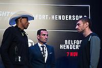 SÃO PAULO, SP, 05.11.2015 - UFC-SP -  Alex Oliveira e Piotr Hallmann durante encarada no UFC Media Day, no hotel Hilton, na zona sul de São Paulo, na manhã desta quinta-feira, 05. (Foto: Adriana Spaca/Brazil Photo Press)