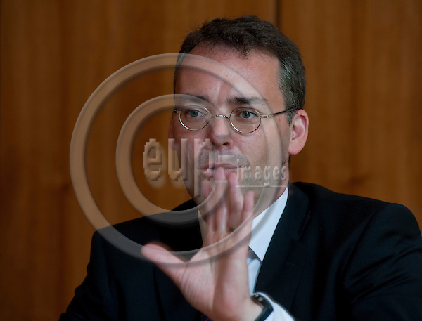 Brussels-Belgium - June 01, 2011 -- Peter FRIEDRICH (SPD), Minister for Federal, European and International Affairs of the State of Baden-Württemberg, during a press briefing in the Representation of Baden-Wuerttemberg to the EU -- Photo: Horst Wagner / eup-images