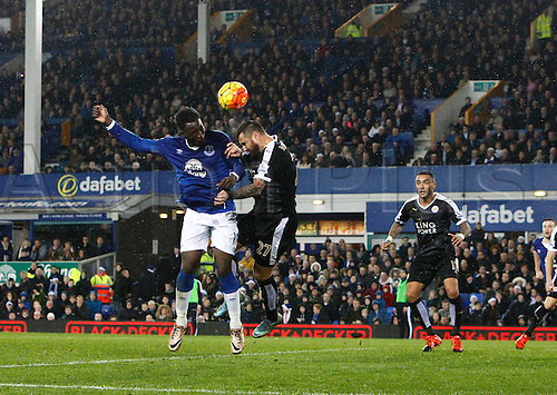 19.12.2015. Goodison Park, Liverpool, England. Barclays Premier League. Everton versus Leicester City. Everton striker Romelu Lukaku beats Leicester City defender Marcin Wasilewski at the near post but his header goes wide.