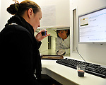 20080930 - France - Bourgogne - Dijon<br /> AU CENTRE EUROPEEN DES SCIENCES DU GOUT A DIJON : DANS UNE CABINE DE TEST SENSORIEL<br /> Ref : CESG_010.jpg - © Philippe Noisette.