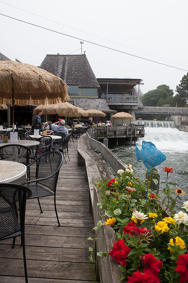 Restaurant on the canal in the landmark Leland Historic District (Fishtown), Leland, Michigan, MI, USA