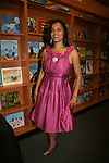Victoria Rowell (ex Young & Restless) at her booksigning of Secrets of a Soap Opera Diva on May 4, 2010 at Hue-Man Bookstore & Cafe, Harlem, New York. Victoria showed us a video of her coming back, talked about her book, read the second chapter, Q & A and signed and took photos. She signed for fans and took photos. (Photo by Sue Coflin)