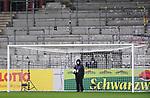 FussballFussball: agnph001:  1. Bundesliga Saison 2019/2020 27. Spieltag 23.05.2020<br /> SC Freiburg - SV Werder Bremen<br /> Ein Techniker der Hawk-Eye Torlinientechnologie; Er synchronisiert die Kameras für den Videoschiedsrichter in Koeln.<br /> FOTO: Markus Ulmer/Pressefoto Ulmer/ /Pool/gumzmedia/nordphoto<br /> <br /> Nur für journalistische Zwecke! Only for editorial use! <br /> No commercial usage!