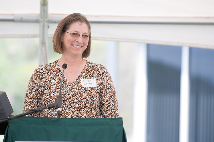 18210McBee Building Community Celebration: Diagnostic Hybrids: Graduation Ceremony & Lease signing.. Linda Clark,Director, Ohio University Innovation Center
