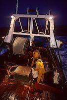 """Europe/France/Bretagne/29/Finistère/Le Guilvinec: Départ pour la pêche sur le chalutier """"Samouraï"""""""