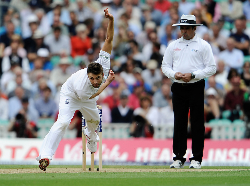England's Mark Wood in action today <br /> <br /> Photographer Ashley Western/CameraSport<br /> <br /> International Cricket - Investec Ashes Test Series 2015 - Fifth Test - England v Australia - Day 1 - Thursday 20th August 2015 - Kennington Oval - London<br /> <br /> &copy; CameraSport - 43 Linden Ave. Countesthorpe. Leicester. England. LE8 5PG - Tel: +44 (0) 116 277 4147 - admin@camerasport.com - www.camerasport.com