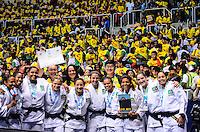 RIO DE JANEIRO, RJ,01 DE SETEMBRO DE 2013 -CAMPEONATO MUNDIAL DE JUDÔ RIO 2013- A equipe brasileira feminina com as judocas Erika Miranda, Eleudis Valentim, Ketleyn Quadros, Rafaela Silva, Katherine Campos, Mariana Silva, Maria Portela, Barbara Tmo, Mayra Aguiar e Maria Suelen Altheman conquistam a medalha de prata no Mundial de Judô Rio 2013, no Maracanazinho de 26 de agosto a 01 de setembro, zona norte do Rio de Janeiro.FOTO:MARCELO FONSECA/BRAZIL PHOTO PRESS