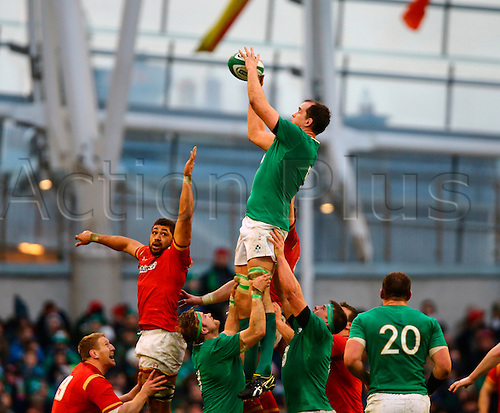 07.02.2016.  Aviva Stadium, Dublin, Ireland. RBS Six Nations. Ireland versus Wales.<br /> Devin Toner (Ireland) gathers the lineout ball.