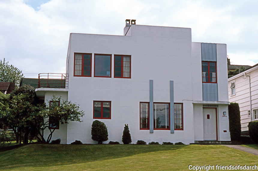 Vancouver: Streamline-Moderne House, 3846 W. 10th. Photo '86.