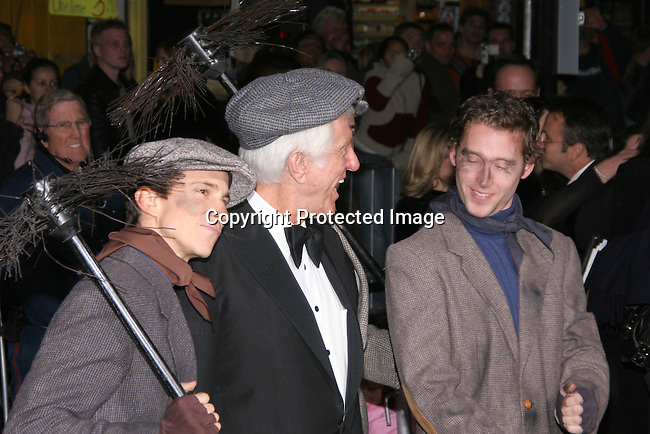 &quot;Mary Poppins&quot; 40th Anniversary and Launch of the Special Edition DVD<br />El Capitan Theatre<br />Hollywood, CA, USA<br />Tuesday, November 30th, 2004<br />Photo By Celebrityvibe.com/Photovibe.com, <br />New York, USA, Phone 212 410 5354, <br />email: sales@celebrityvibe.com