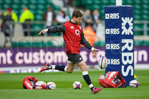 14.03.2015.  Twickenham, England. 6 Nations International Rubgy Championship. England versus Scotland. England fly-half Danny Cipriani warms up.