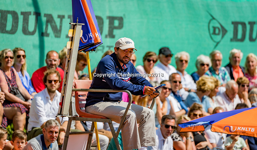The Hague, Netherlands, 10 June, 2018, Tennis, Play-Offs Competition, Umpire<br /> Photo: Henk Koster/tennisimages.com