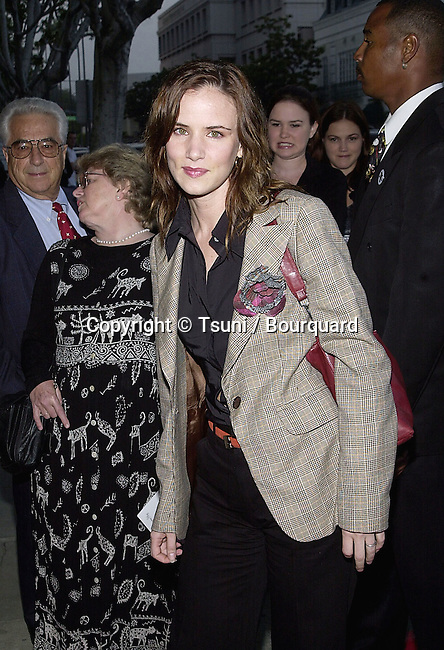 """Juliette Lewis arriving at the """" My Louisana Sky """" premiere  at the Writer Guild Theatre in Los Angeles  5/1/2001  © Tsuni          -            LewisJuliette02.jpg"""