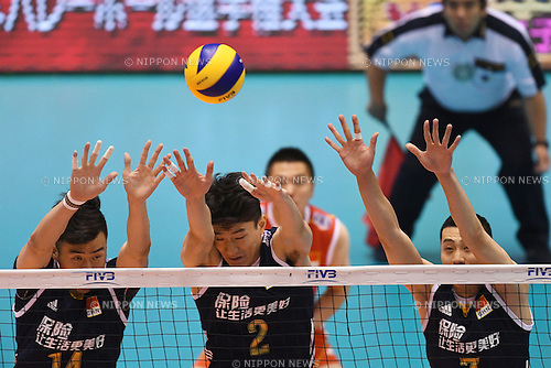 (L-R) Dai Qingyao, Yuan Chen, Zhong Weijun (CHN), <br /> JUNE 2, 2016 - Volleyball :<br /> Men's Volleyball World Final Qualification for the Rio de Janeiro Olympics 2016<br /> match between Iran 3-2 China<br /> at Tokyo Metropolitan Gymnasium, Tokyo, Japan.<br /> (Photo by AFLO SPORT)