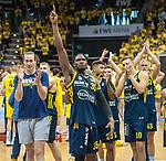 09.06.2019, EWE Arena, Oldenburg, GER, easy Credit-BBL, Playoffs, HF Spiel 3, EWE Baskets Oldenburg vs ALBA Berlin, im Bild<br /> ins Finale...<br /> Dennis CLIFFORD (ALBA Berlin #33 ) Landry NNOKO (ALBA Berlin #35 ) Kenneth OGBE (ALBA Berlin #25 ) Tim SCHNEIDER (ALBA Berlin #10 ) Luke SIKMA (ALBA Berlin #43 ) Niels GIFFEY (ALBA Berlin #5 )<br /> Foto © nordphoto / Rojahn