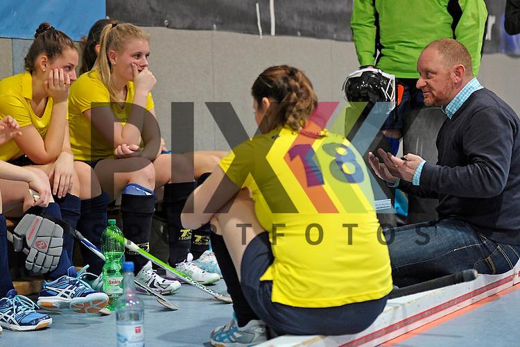 GER - Mannheim, Germany, January 17: During the Oberliga-Damen indoor hockey match between Feudenheimer HC (red) and  TSV Ludwigsburg (yellow) on January 17, 2016 at Irma-Roechling-Halle in Mannheim, Germany. Final score 8-2 (HT 3-1).  (r) head coach Eike Suchner of TSV Ludwigsburg<br /> <br /> Foto &copy; PIX-Sportfotos *** Foto ist honorarpflichtig! *** Auf Anfrage in hoeherer Qualitaet/Aufloesung. Belegexemplar erbeten. Veroeffentlichung ausschliesslich fuer journalistisch-publizistische Zwecke. For editorial use only.