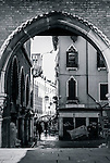 View through the arches of Fish market  Mercato del Pesce, Calle de le Becarie o Panataria, Venice, Italy