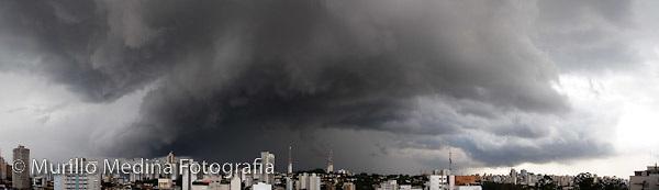 vista janela ap agissê - chegada de nuvens carregadas de chuva vindas da região nordeste. 22/12/2008.