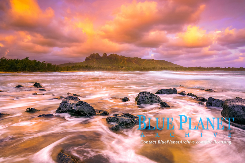 Anahola Beach, at sunset, Anahola Beach Park, Kalalea Mountain in background, Anahola Bay, Kauai, Hawaii, USA, Pacific Ocean