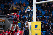 24th March 2018, AJ Bell Stadium, Salford, England; Aviva Premiership rugby, Sale Sharks versus Worcester Warriors; Ben Curry of Sale Sharks wins a line out close to the try line