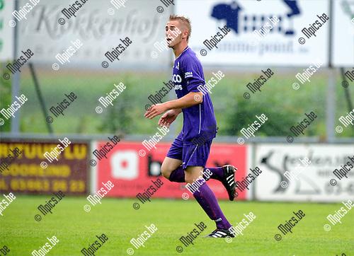 2011-08-03 / Voetbal / seizoen 2011-2012 / Gooreind VV / Tristan Dermaut..Foto: mpics