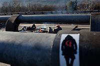 Val di Susa: attivisti presidiano il blocco autostradale sull'A32 Torino-Bardonecchia all'uscita di Chianocco.....