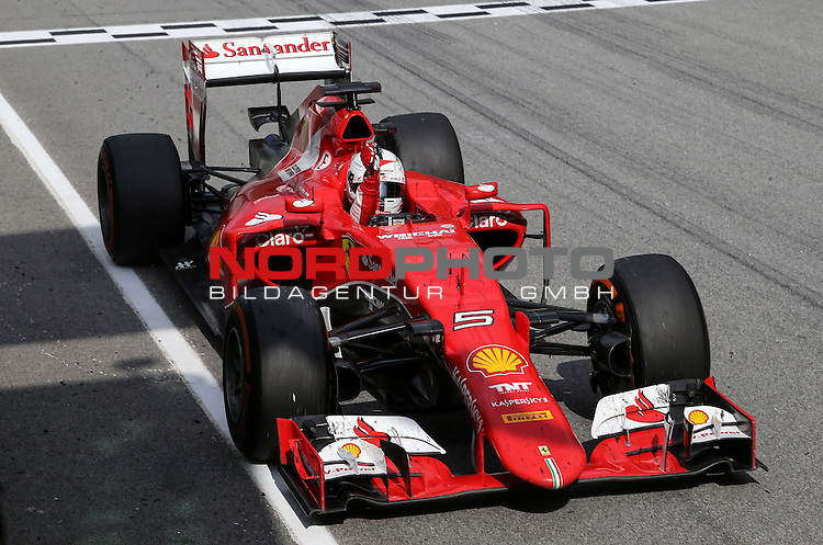 29.03.2011, Sepang-International-Circuit, Malaysia, MAL , Gro&szlig;er Preis von Malaysia / Kuala Lumpur, im Bild Sebastian Vettel (GER), Scuderia Ferrari<br /> for the complete Middle East, Austria &amp; Germany Media usage only!<br />  Foto &copy; nph / Mathis