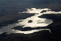 4415 / Vanderkloof Dam: AFRIKA, SUEDAFRIKA, 12.01.2007:Landschaft in der Halbwueste Karoo, Luftbild, zweit groesster Staudamm Suedafrikas, Bewaesserung, Stromerzeugung, Wassersport, Naturbeobachtung, Oranje, Orange River, Gariep