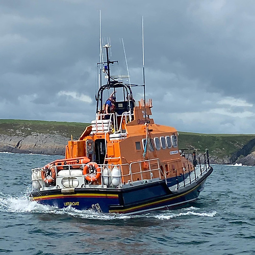 Courtmacsherry RNLI allweather lifeboat on scene at Dunworely Headland