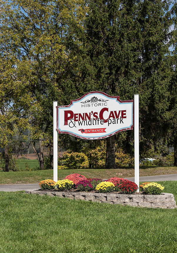 Penn's Cave & Wildlife Park, Centre Hall, Pennsylvania, USA