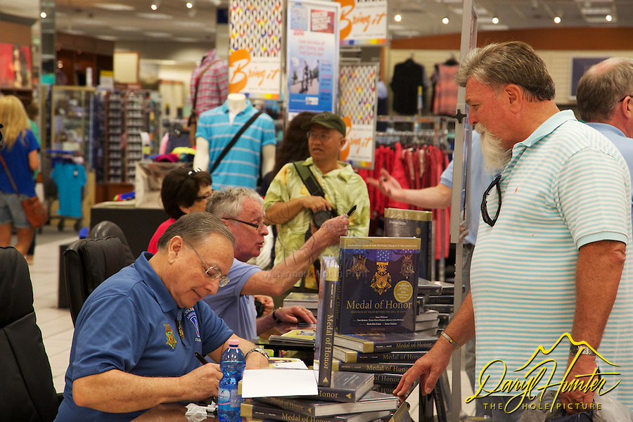 Medal of Honor recipients Thomas G. Kelly and Alfred V. Rascon at autograph session in Naples Italy