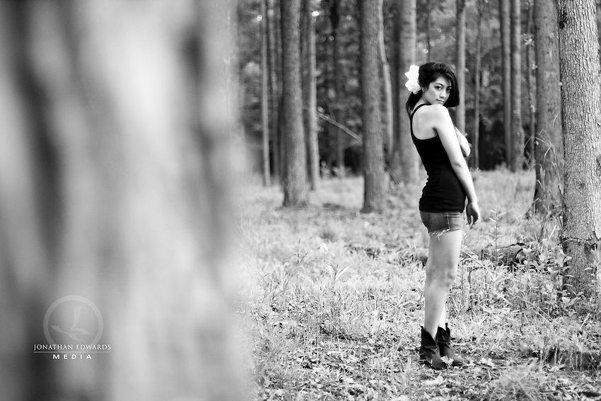 Outdoor photo shoot with Heather.
