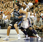USA's Carmelo Anthony (r) and Argentina's Luis Scola during friendly match.July 22,2012. (ALTERPHOTOS/Acero)