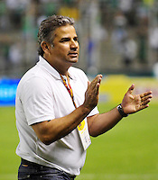 CALI - COLOMBIA -06 - 09 -2015: Guillermo Berrio, técnico de Deportivo Pasto, durante partido de la fecha 12 entre Deportivo Cali y Deportivo Pasto, de la Liga Aguila II 2015 en el estadio Deportivo Cali (Palmaseca) de la ciudad de Cali. / Guillermo Berrio, coach Deportivo Pasto, during a match for the date 12 between Deportivo Cali and Deportivo Pasto,  for the Liga Aguila II 2015 at the Deportivo Cali (Palmaseca) stadium in Cali city. Photo: VizzorImage /  NR / Cont.