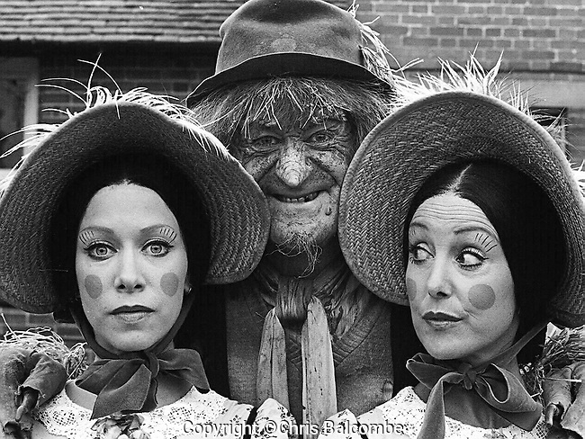 JON PERTWEE AS WORZEL GUMMIDGE, WITH UNA STUBBS, RIGHT, AS AUNT SALLY.  IN THIS EPISODE, FILMED AT A FARM IN BRAISHFIELD, NEAR SOUTHAMPTON, HAMPSHIRE, ANOTHER AUNT SALLY, PLAYED BY CONNIE BOOTH, LEFT, COMPETED FOR WORZEL'S AFFECTIONS.  PICTURE BY CHRIS BALCOMBE<br /> <br /> <br /> Pic: Chris Balcombe<br /> <br /> 07568 098176<br /> Office: 023 80 849187