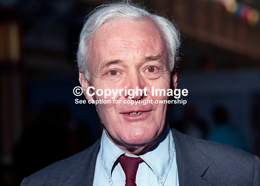 Tony Wedgwood Benn, aka Tony Benn, MP, Labour Party, UK, at annual conference. 199409032.<br /> <br /> Copyright Image from Victor Patterson, 54 Dorchester Park, Belfast, UK, BT9 6RJ<br /> <br /> t1: +44 28 9066 1296 (from Rep of Ireland 048 9066 1296)<br /> t2: +44 28 9002 2446 (from Rep of Ireland 048 9002 2446)<br /> m: +44 7802 353836<br /> <br /> e1: victorpatterson@me.com<br /> e2: victorpatterson@gmail.com<br /> <br /> www.victorpatterson.com<br /> <br /> IMPORTANT: Please see my Terms and Conditions of Use at www.victorpatterson.com