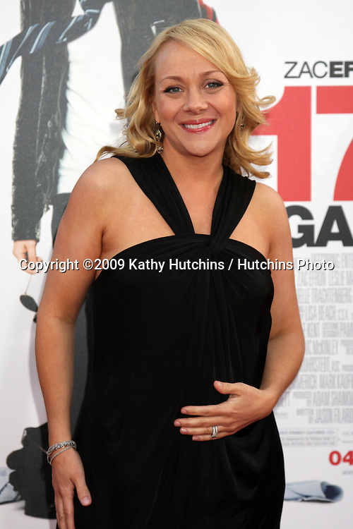 Nicole Sullivan  arriving at the 17 Again Premiere at Grauman's Chinese Theater in Los Angeles, CA on April 14, 2009.©2009 Kathy Hutchins / Hutchins Photo....                .