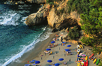 - the Echo of the Sea beach, between Lerici and Tellaro (La Spezia)....- la spiaggia Eco del Mare, fra Lerici e Tellaro (La Spezia)