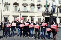 Roma, 9 Marzo 2017<br /> Flash Mob dei deputati e delle deputate di Sinistra Italiana davanti la sede della presidenza del Consiglio a Palazzo Chigi, affinch&egrave; il governo indichi la data di svolgimento dei Referendum sul lavoro promossi dalla Cgil e sottoscritti da milioni di cittadini.